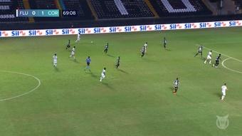 Juan Cazares levelled for 10 man Fluminense against Corinthians. DUGOUT