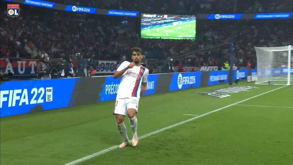 Il gol di Paquetá contro il PSG. Dugout