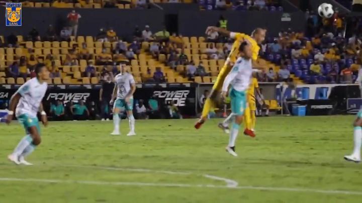 VÍDEO: el agónico gol de Quiñones que salvó a Tigres ante León. DUGOUT