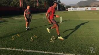 Bruno Henrique inicia trabalho de transição para o campo no Flamengo.