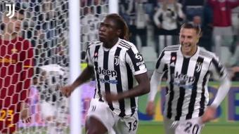 Le but de Moise Kean contre la Roma. dugout