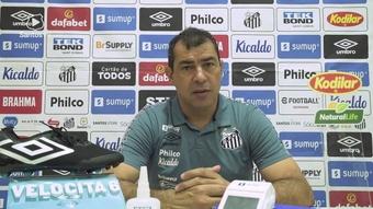 Carille lamenta atuação do Santos e convoca torcida para decisão contra o América-MG. DUGOUT