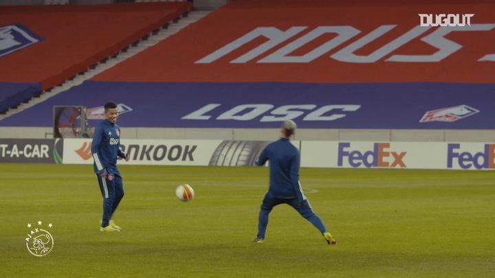 Parceria de sucesso entre Antony e David Neres no Ajax.