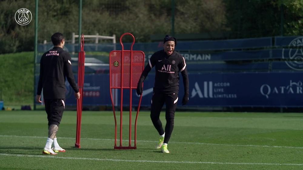 La séance d'entraînement de Mbappé avant le match face à Angers. Dugout