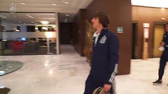 Álvaro Morata rend visite à ses coéquipiers de la sélection. Dugout