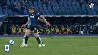 Il rigore di Perisic per l'Inter contro la Lazio. Dugout
