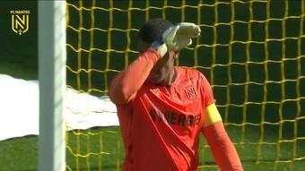 La solide performance de Lafont contre Troyes. Dugout