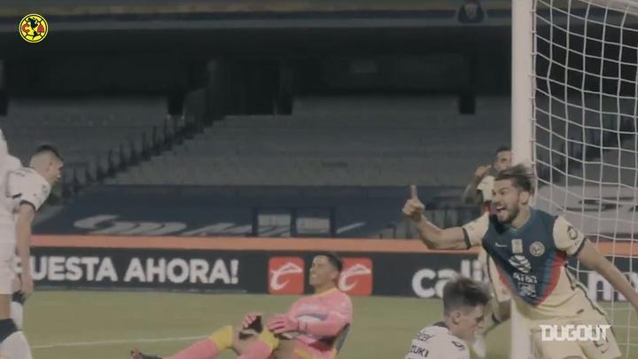 El gol entre Alan Medina y Henry Martín, a pie de campo. Captura/Dugout