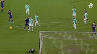 Lo strepitoso salvataggio di Handanović contro la Fiorentina. Dugout