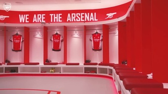 Les coulisses d'Arsenal 2-2 Crystal Palace. dugout