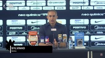 Sylvinho elogia reestreia de Renato Augusto no Corinthians. DUGOUT