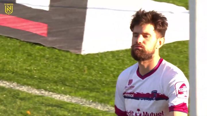 Andrei Girotto abre o placar na vitória do Nantes sobre o Clermont no Francês. DUGOUT