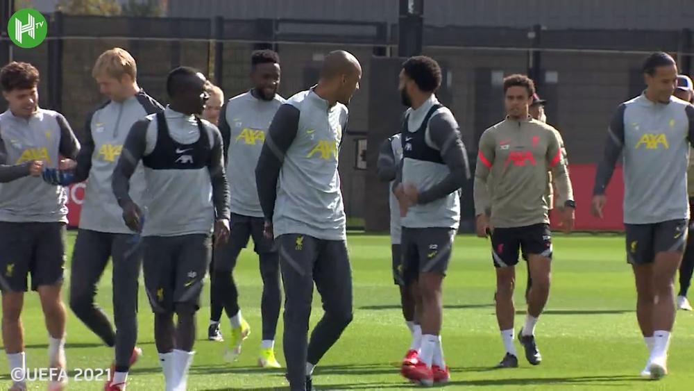 Il Liverpool si prepara ad affrontare il Porto. Dugout