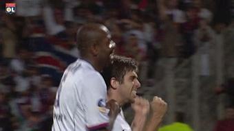 Les meilleurs buts de Juninho contre Lens. dugout