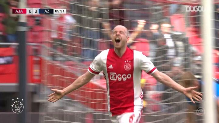 Ajax got themselves a 2-0 victory over AZ Alkmaar last Sunday. DUGOUT