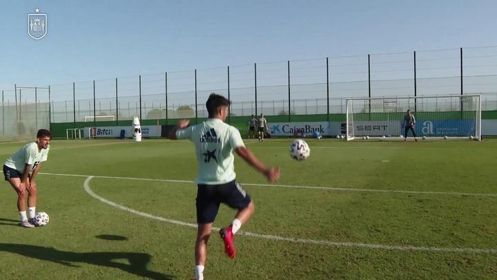 Soler, Ceballos e Miranda: che gol con la Spagna. Dugout