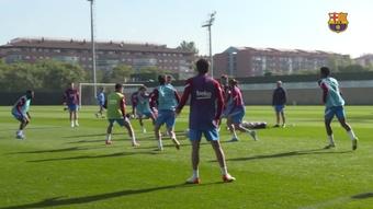 Com a presença de Dembélé, Barcelona  inicia treinamentos da semana. DUGOUT