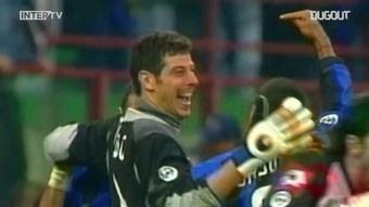 L'incredibile gol di Toldo contro la Juve. Dugout