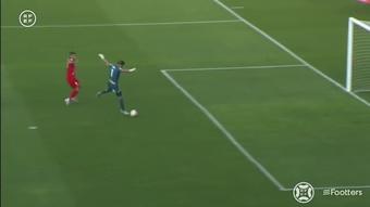 ¿El gol más extraño del año? DUGOUT