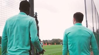 El Arsenal prepara su siguiente partido. DUGOUT