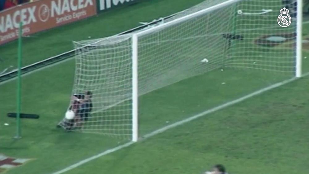 Raul fait taire le Camp Nou. DUGOUT