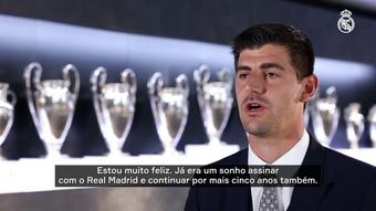 Courtois comemora renovação com o Real Madrid. DUGOUT
