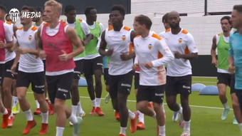 Valencia prepare to face Athletic Club. DUGOUT