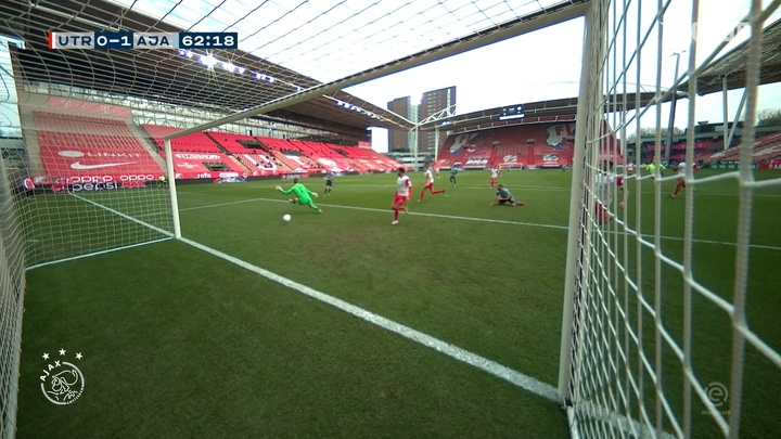 Davy Klaassen made an impressive return to Ajax during the 2020/21 season. DUGOUT