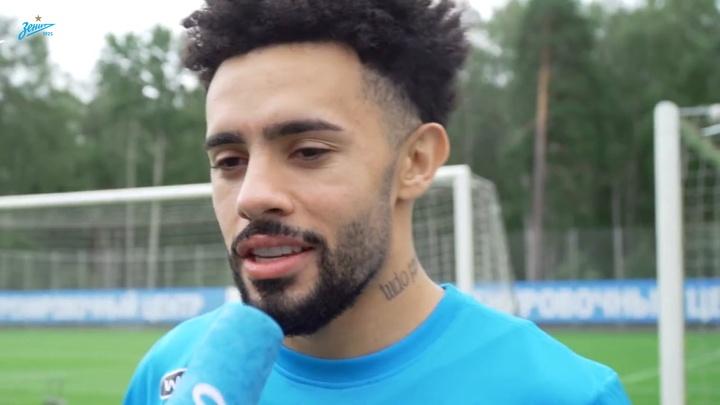 Claudinho chega e fala em ser campeão pelo Zenit.
