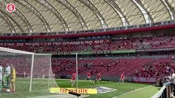 Internacional goleia Chapecoense no Beira-Rio. DUGOUT