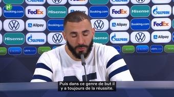 Découvrez la réaction de Karim Benzema après la victoire de l'Equipe de France. Dugout