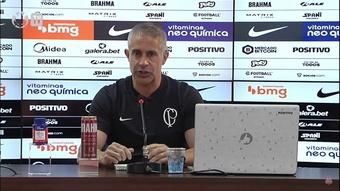 Sylvinho comenta possível chegada de Paulinho. DUGOUT