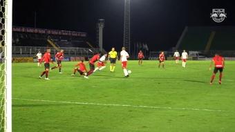 Jadsom marca e garante a vitória do Red Bull Bragantino sobre o Atlético-GO. DUGOUT