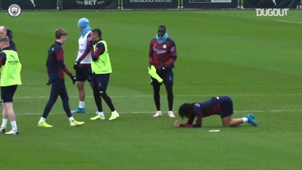 Agüero y Aké se preparan para el Fulham. DUGOUT