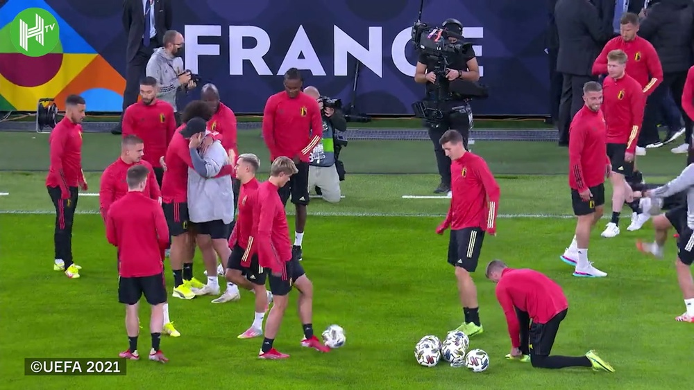 La Belgique se prépare avant d'affronter la France. DUGOUT