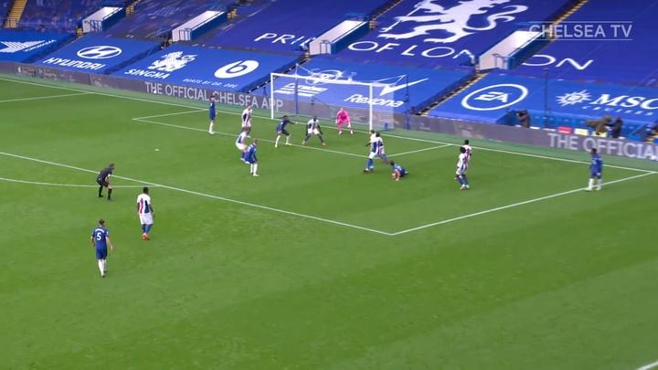 Le premier but de Ben Chilwell avec Chelsea. Dugout