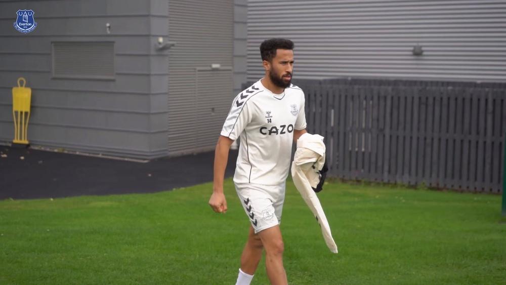 Allan intensifica treinos no Everton.