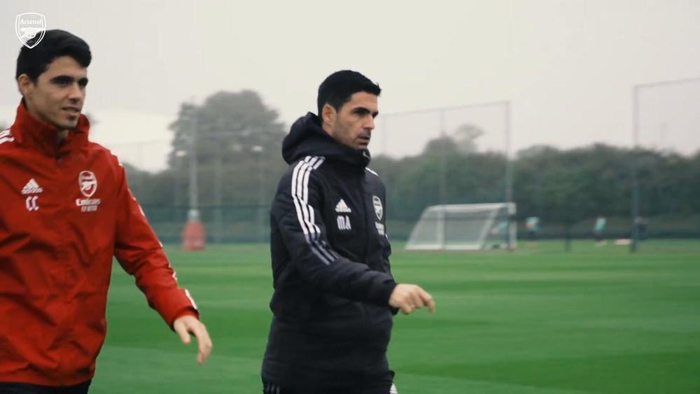 Así volvió a entrenar Wilshere con el Arsenal. Captura/Dugout