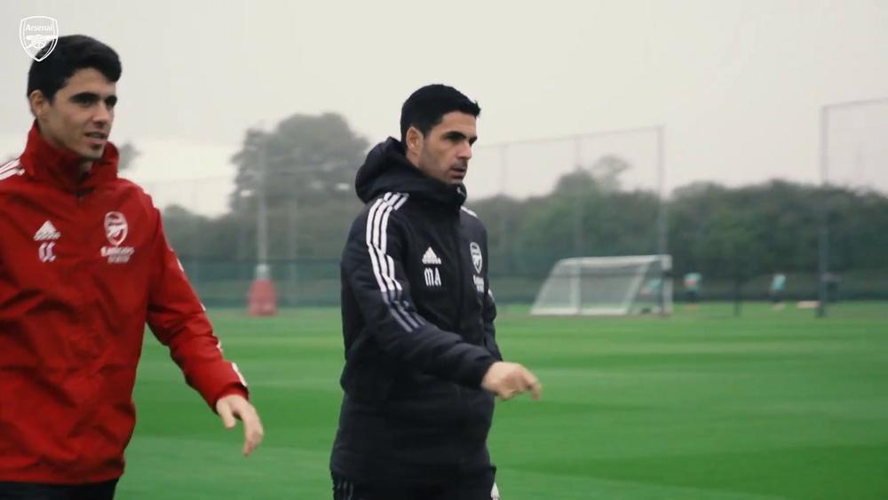 Jack Wilshere participa de treino do Arsenal. DUGOUT