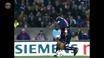 Ronaldinho - 'J'ai adoré jouer au Parc des Princes'. Dugout