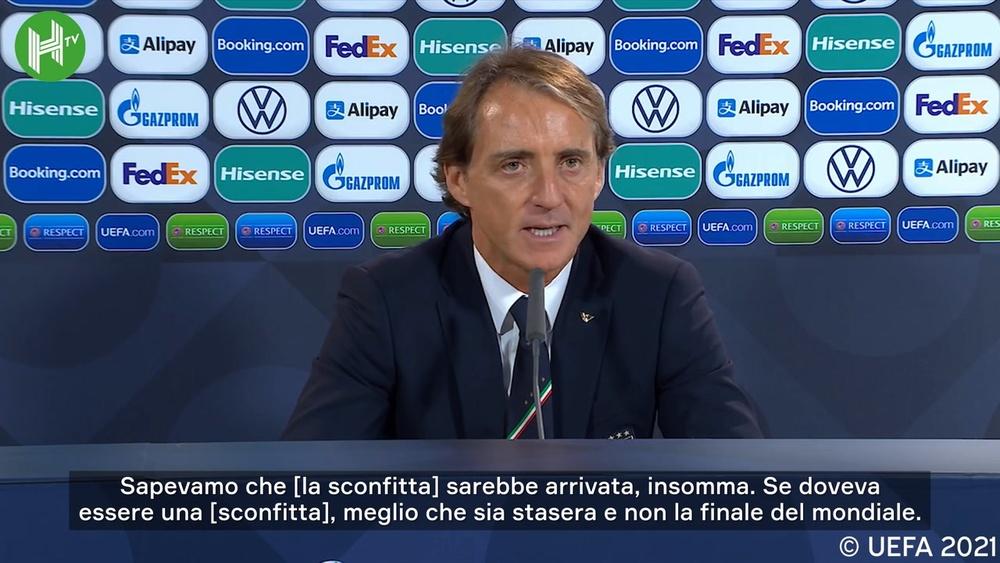 Mancini in conferenza stampa. Dugout