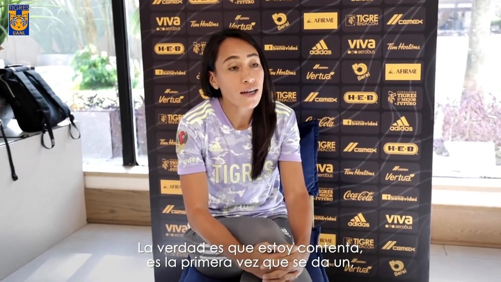 Nahuel Guzmán y Liliana Mercado tuvieron una animada conversación. Dugout