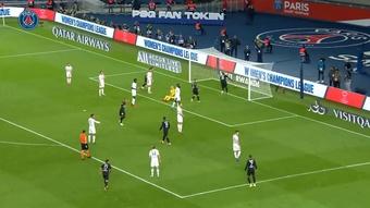 L'égalisation de Danilo Pereira contre Angers. Dugout