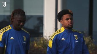 La Juventus si allena prima della partita contro lo Zenit. Dugout