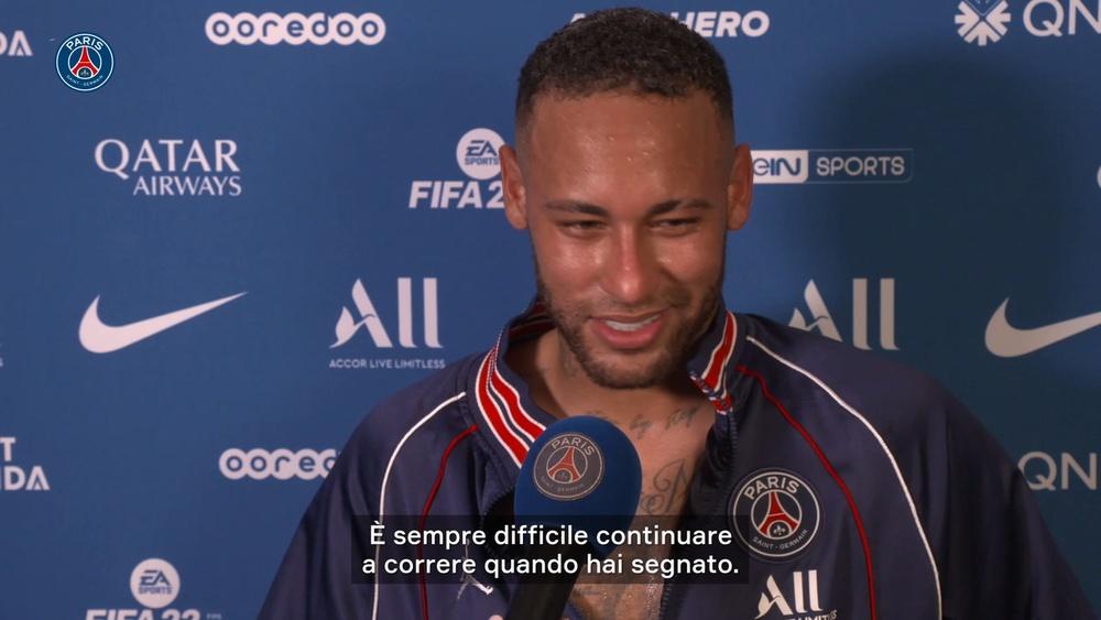 Neymar esulta per la vittoria del PSG. Dugout