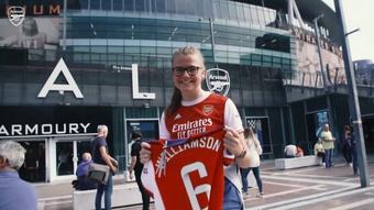 El debut del Arsenal, desde dentro. Captura/Dugout