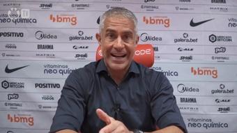 Sylvinho afirma ter apoio da diretoria e do presidente do Corinthians. DUGOUT