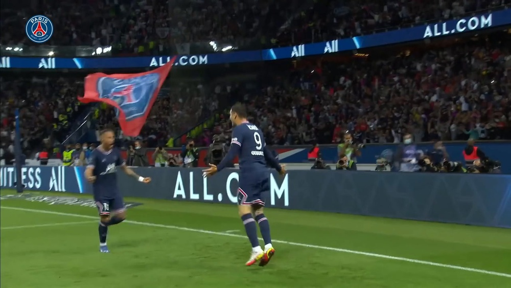 Mauro Icardi vince contro il Lyon. Dugout