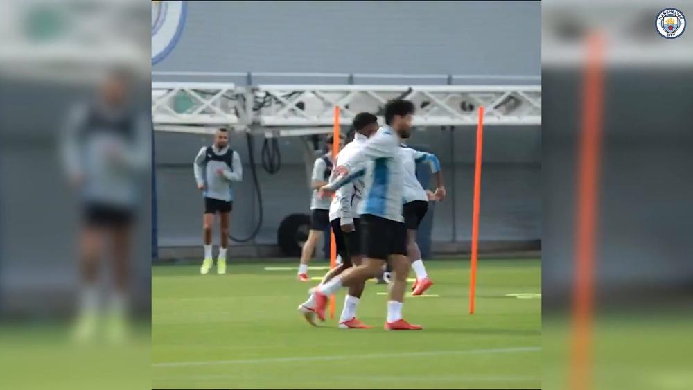 Primeiro treino de Kayky como jogador do Manchester City. DUGOUT
