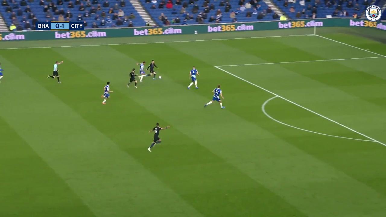 VIDÉO : Le superbe but de Foden contre Brighton